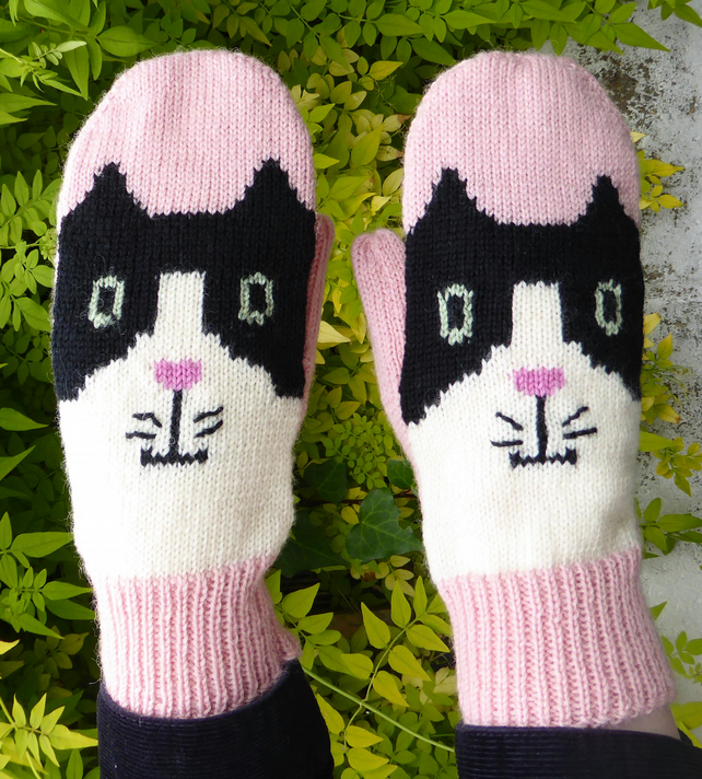 Pink Knitted Cat Mittens
