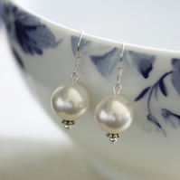 Pearl earrings, Pearl drop earrings, Pearl jewellery