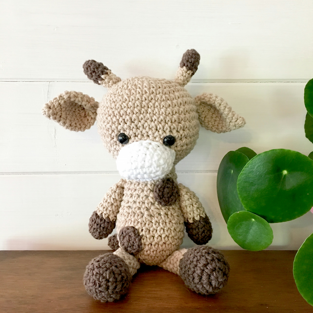 Amigurumi Crochet Giraffe Pattern by Little Bear Crochets | 642x642