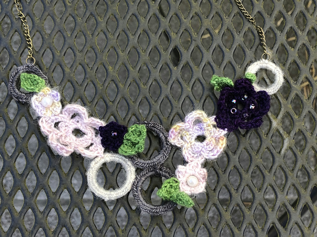 Floral crocheted necklace - free U.K. postage