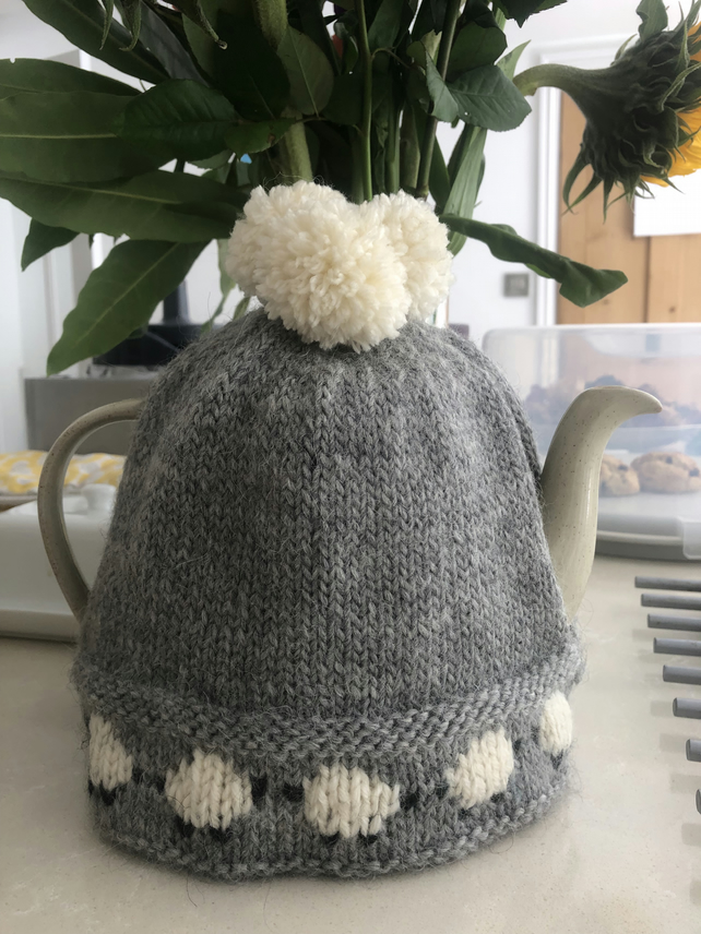 Happy Sheep Tea Cosy - free U.K. postage