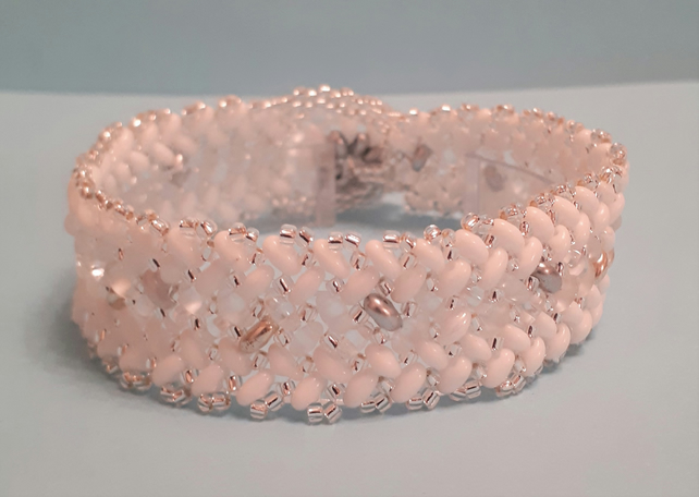 White shades Herringbone stripe design bracelet