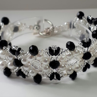 Vintage look, white pearl and  black Crystal Bracelet