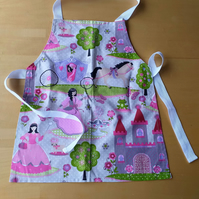 Princess Apron age 2-6 approximately