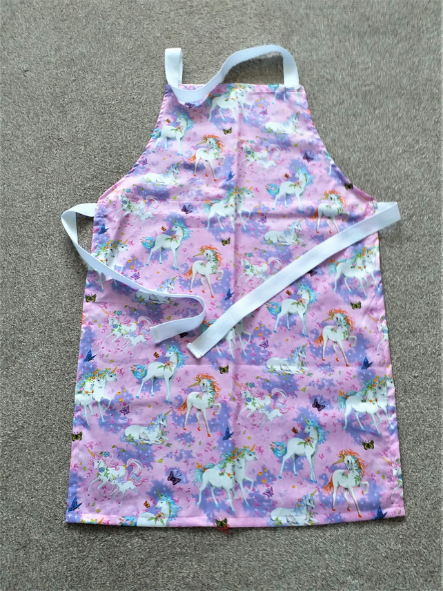 Unicorn Apron age 8-16 approximately