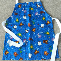 Animal Scatter Pinnie age 2-6 approximately