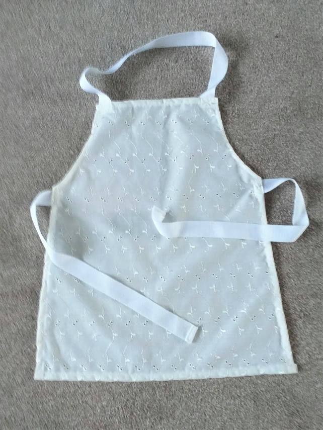 Ivory Broderie Anglaise Pinny age 2-6 approximately