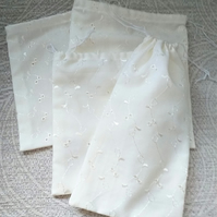 Pack of Four Broderie Anglaise Drawstring Gift Bags