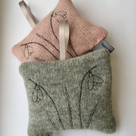 Pair of lambswool lavender bags
