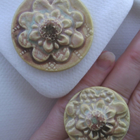 Mottled brown glazed ceramic brooch with matching ring