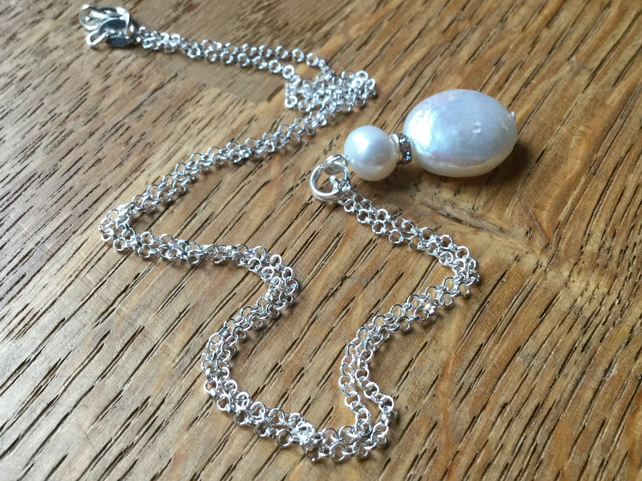Freshwater pearl pendant on silver chain