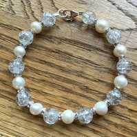Stunning freshwater white pearl, diamanté and crystal bracelet