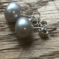 Wonderful  grey freshwater pearl and silver stud earrings FREE UK DELIVERY