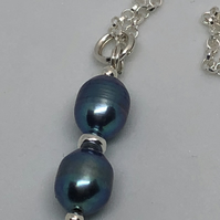 Freshwater pearl pendant on sterling silver chain. Free UK delivery