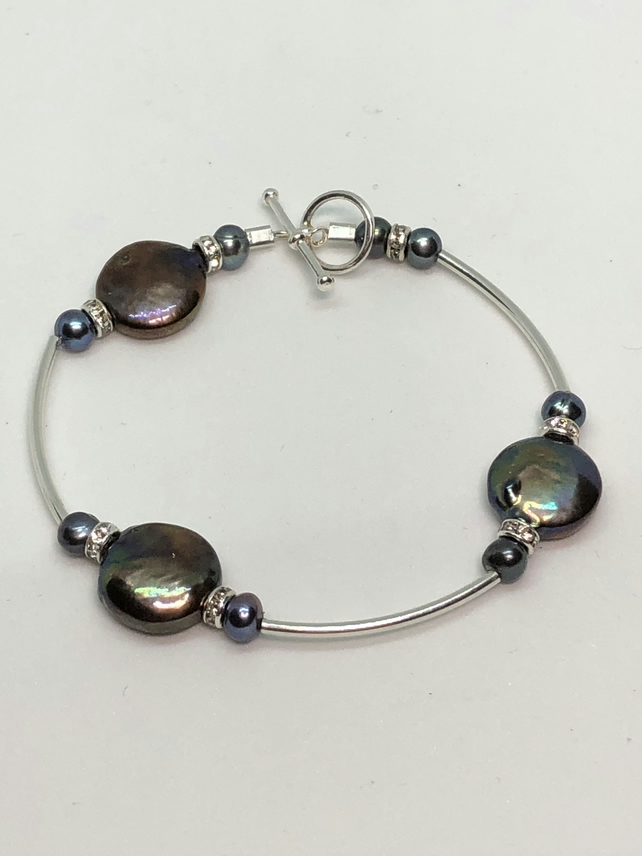 Silver and freshwater pearl bracelet- free UK postage