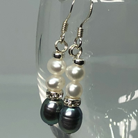 Beautiful freshwater pearl and diamanté  and silver earrings - FREE UK DELIVERY