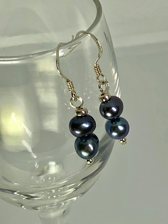 Lovely freshwater pearl & silver earrings - FREE UK DELIVERY