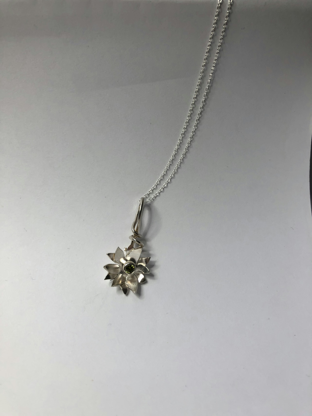 STERLING SILVER Flower Pendant with beautiful Green Stone