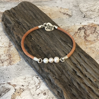 AAA Pearl Bracelet with 'Near Round' Pearls in Raw Brown 3mm Leather 7.5inches