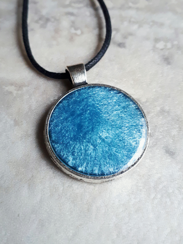 Blue resin pendant