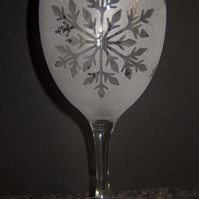 Etched Frosty Snowflakes on Wine Glass