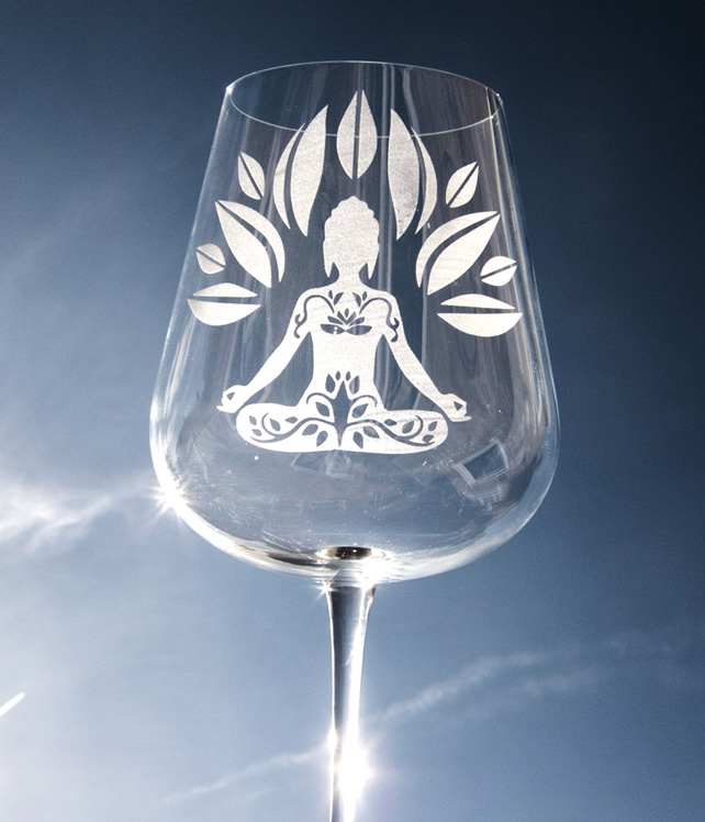Large Crystal Wine Glass Engraved with a Meditating Buddha and Lotus Flower