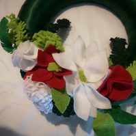 Wreath in Green satin ribbon and felt flowers