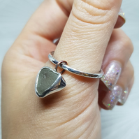Beautiful Seaglass ring, sterling silve ring, size R, gift for her, summer ring