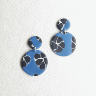 Blue and black earrings, Polymer clay dangles, Circle earrings, Abstract flowers