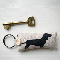 DACHSHUND KEY RING - lavender
