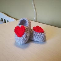 Crochet baby booties red heart applique