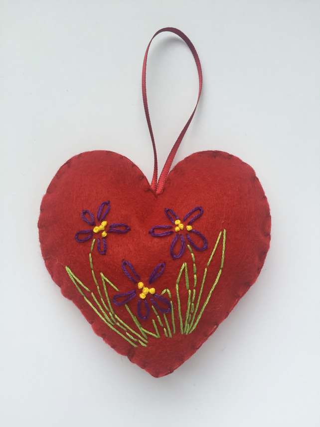 Felt floral heart hanging decoration
