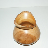 Bird mouth cherry bowl