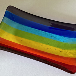Stripey rainbow soap dish