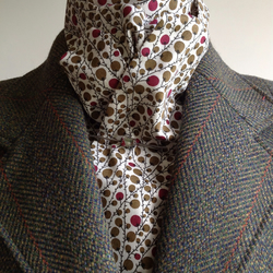Handmade 100% Cotton shaped-to-tie riding stock - olive and wine spotty berries