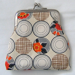 Cream & Orange Retro Floral Print Small Coin Clasp Purse