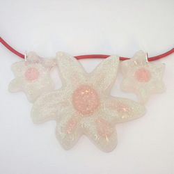 White and pink glitter three flower necklace
