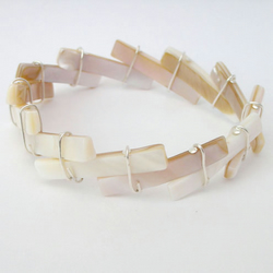 Recycled shell beads bracelet