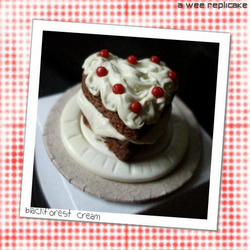 valentinies - a mini collectable cake