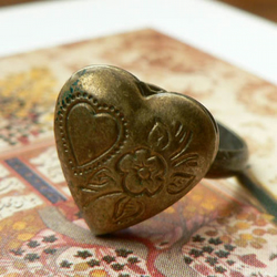 Poison Heart Locket Ring