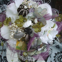 vintage wedding posy broach flower bouquet [Lucy]