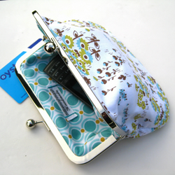 Metal frame Purse in White, Blue and Green
