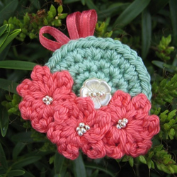Peach tri-flower brooch