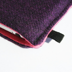 iPhone 3G / iPhone 3GS / iPhone 4 slim case in padded purple Tweed with bright pink felt lining