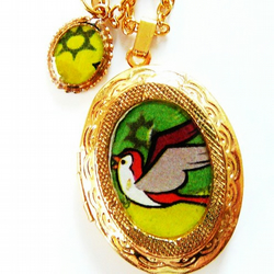 to freedem gold bird locket necklace