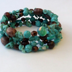 Turquoise howlite memory wire bracelet