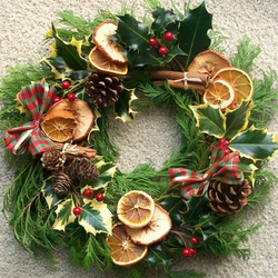 Fresh Holly Wreath - Last Order date 16th December