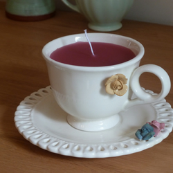 Candle in a tea cup - cream