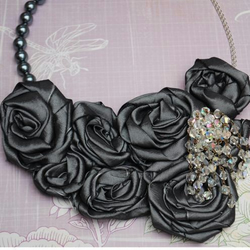 Slate Grey Taffeta Roses Necklace