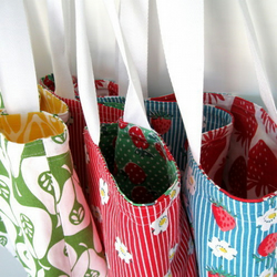 PDF Reversible Tea Towel Tote Sewing Pattern by LillyBlossom